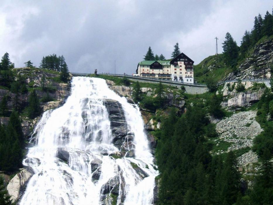À la découverte de la plus belle cascade des Alpes!