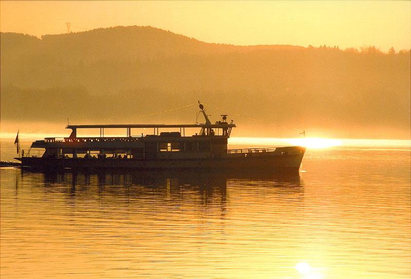 Le crociere al tramonto sul Lago Maggiore, una proposta per i più romantici