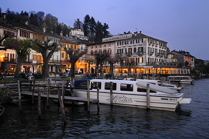 """Poetry on the Lake"": internationale Dichter in Orta S. Giulio"